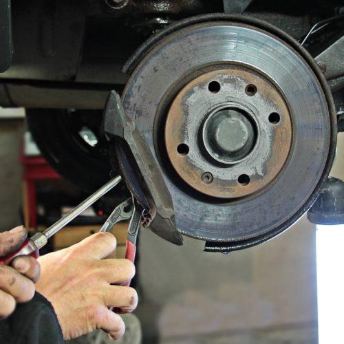 auto-repair-1954636_1920-1